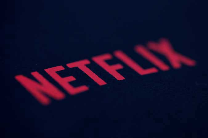 Netflix eyes mobile video games amid slowing subscriber growth