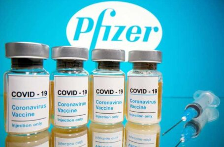 Pfizer says 2021 COVID-19 vaccine sales to top $33.5 bln, sees need for boosters