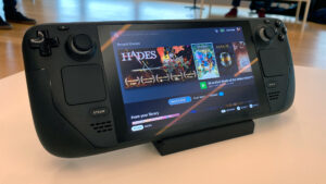 Steam Deck Treads on Switch Territory, It Won't Get It All